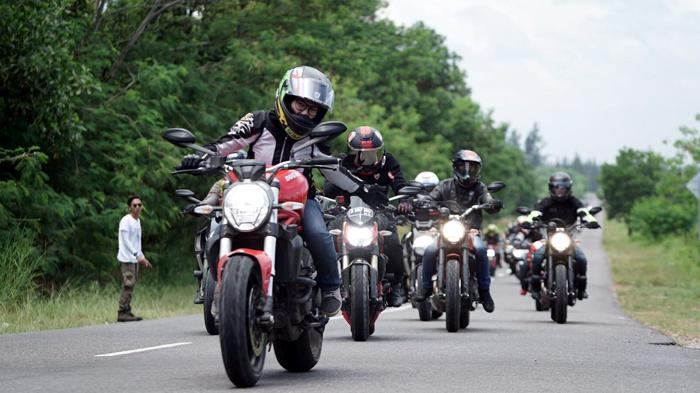 touring rental motor malang